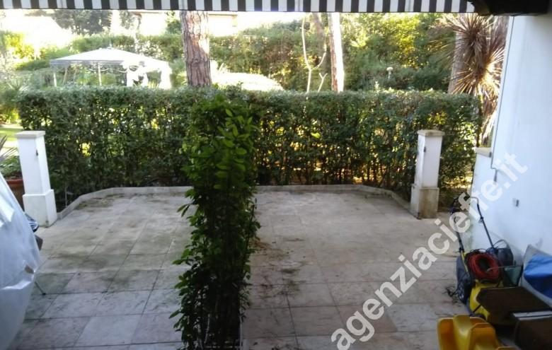 Agenzia Cieffe - patio in villa a Forte dei Marmi - 50 metri dalla spiaggia in Versilia @agenziacieffe.it