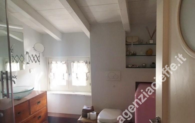 Agenzia Cieffe - Versilia - Forte dei Marmi - @agenziacieffe.it vende appartamento indipendente