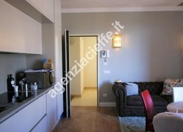 A Forte dei Marmi si vende questo appartamento, vicino alle spiagge dorate della Versilia