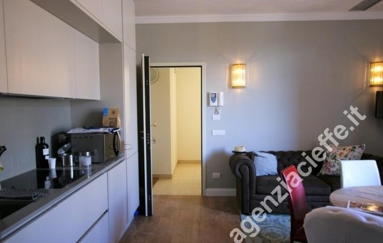 Agenzia Cieffe - A Forte dei Marmi si vende questo appartamento, vicino alle spiagge dorate della Versilia