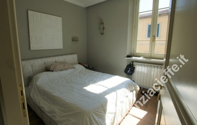 Agenzia Cieffe - lusso a Forte dei Marmi - spiagge dorate della Versilia - Camera da letto in lussuoso appartamento in vendita