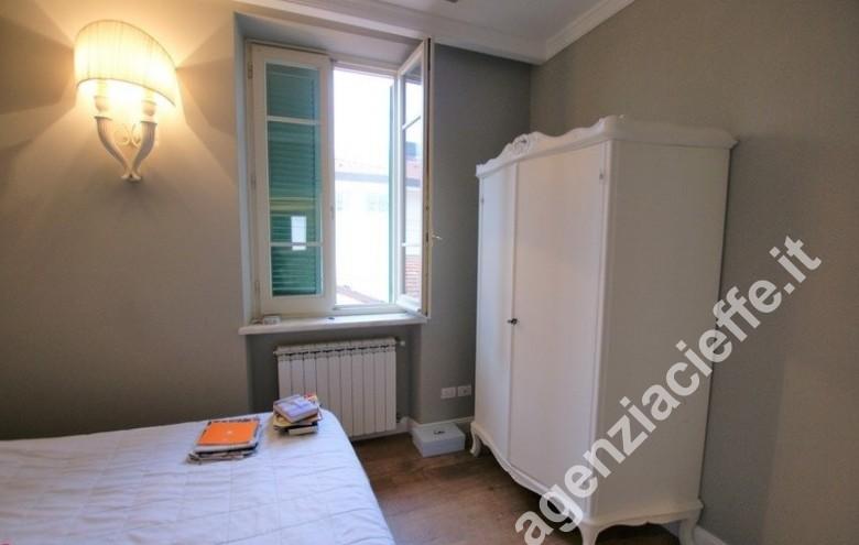 Agenzia Cieffe - camera da letto a Forte dei Marmi - appartamento con finiture di pregio in vendita