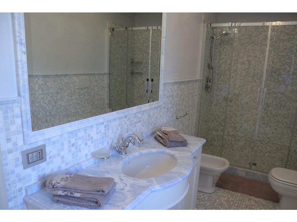 Rif.219 - cover Magnifica villa nuova con piscina a forte dei marmi - vittoria apuana -