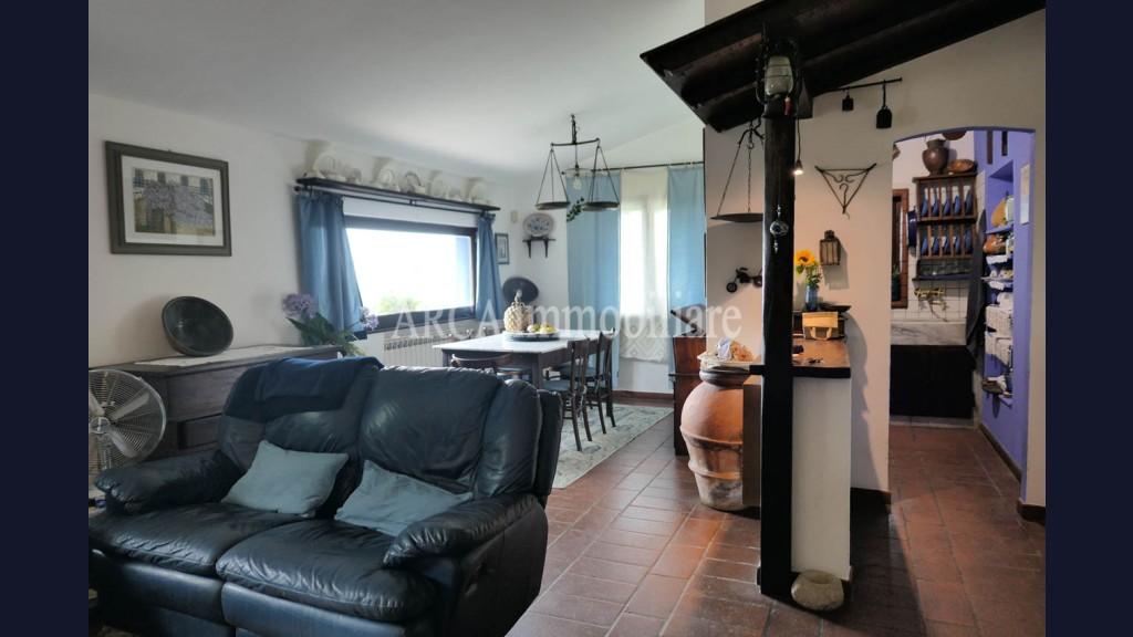 Rusticoin Vendita, Pietrasanta - Solaio - Collina - Riferimento: A2820