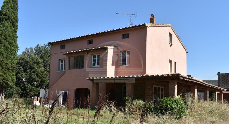 Colonica in vendita - Venturina, Campiglia Marittima