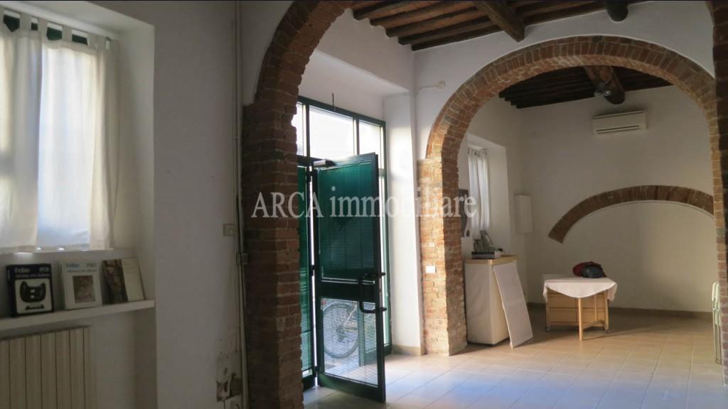 Locale Commercialein Vendita, Pietrasanta - Centro Storico - Riferimento: A2723