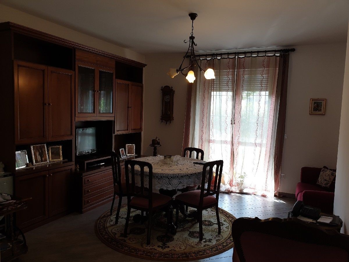 Appartamento in vendita a Alessandria, 4 locali, prezzo € 140.000 | CambioCasa.it