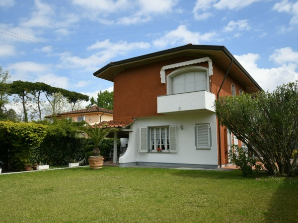 Portion of Villa for sale, Forte dei Marmi, vicinanze centro
