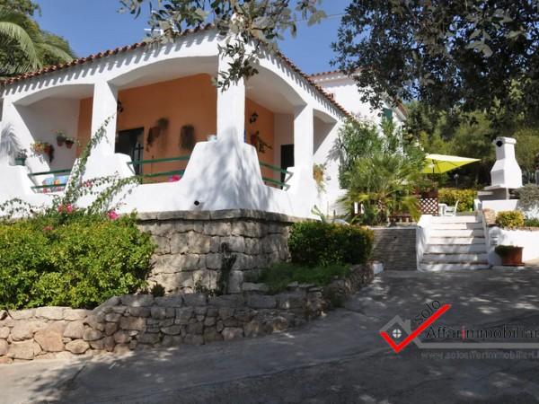 Riferimento V113 - Villa Singola in Vendita a Arzachena