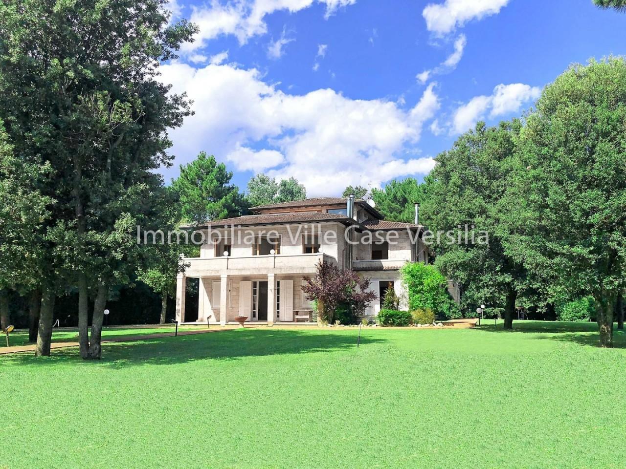 Foto Di Ville Lussuose villa massa vendita 800 mq riscaldamento autonomo cucina