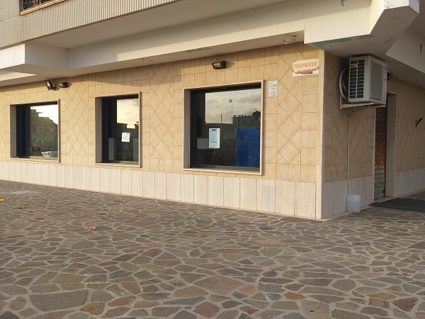Riferimento C064_E - Locale Commerciale in Affitto a Civitavecchia