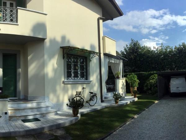 Riferimento 101-5 PL - Villa Bifamiliare in Affitto a Forte Dei Marmi