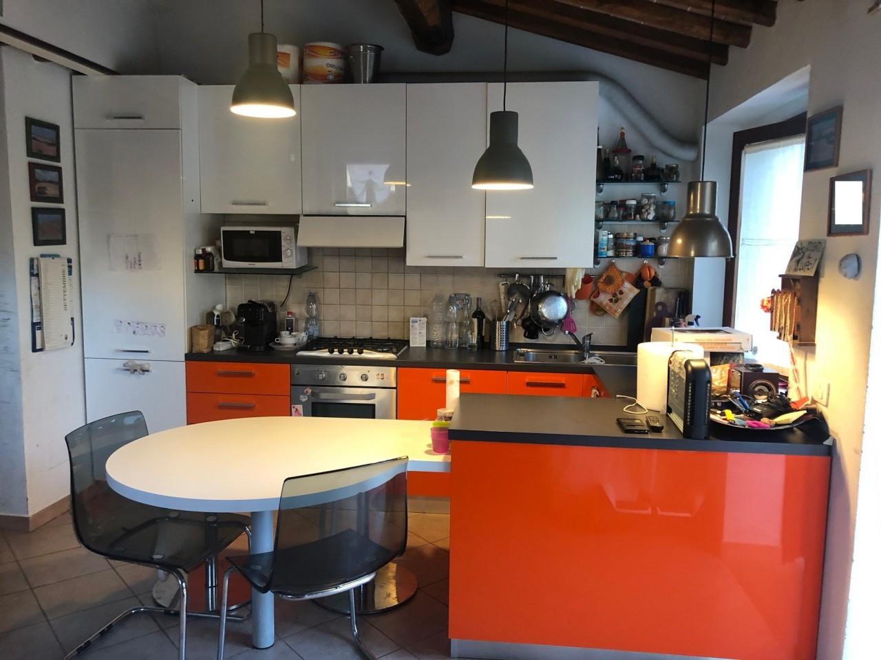 Appartamento in vendita a Gaiole in Chianti, 5 locali, prezzo € 190.000 | PortaleAgenzieImmobiliari.it