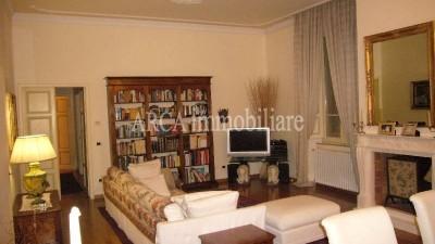 Appartamentoin Vendita, Pietrasanta - Centro - Riferimento: 166