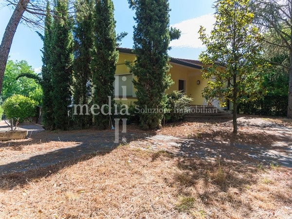 Reference R639 - Two-family Villa for Vendita in Centro Storico
