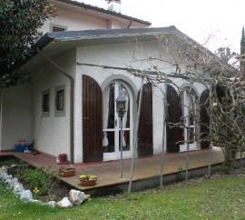 Villa In Affitto A Forte Dei Marmi