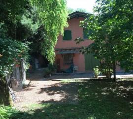 Villa In Vendita A Stazzema
