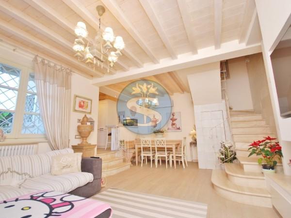 Riferimento SA01 - Villa in Affitto a Forte dei Marmi - CENTRO