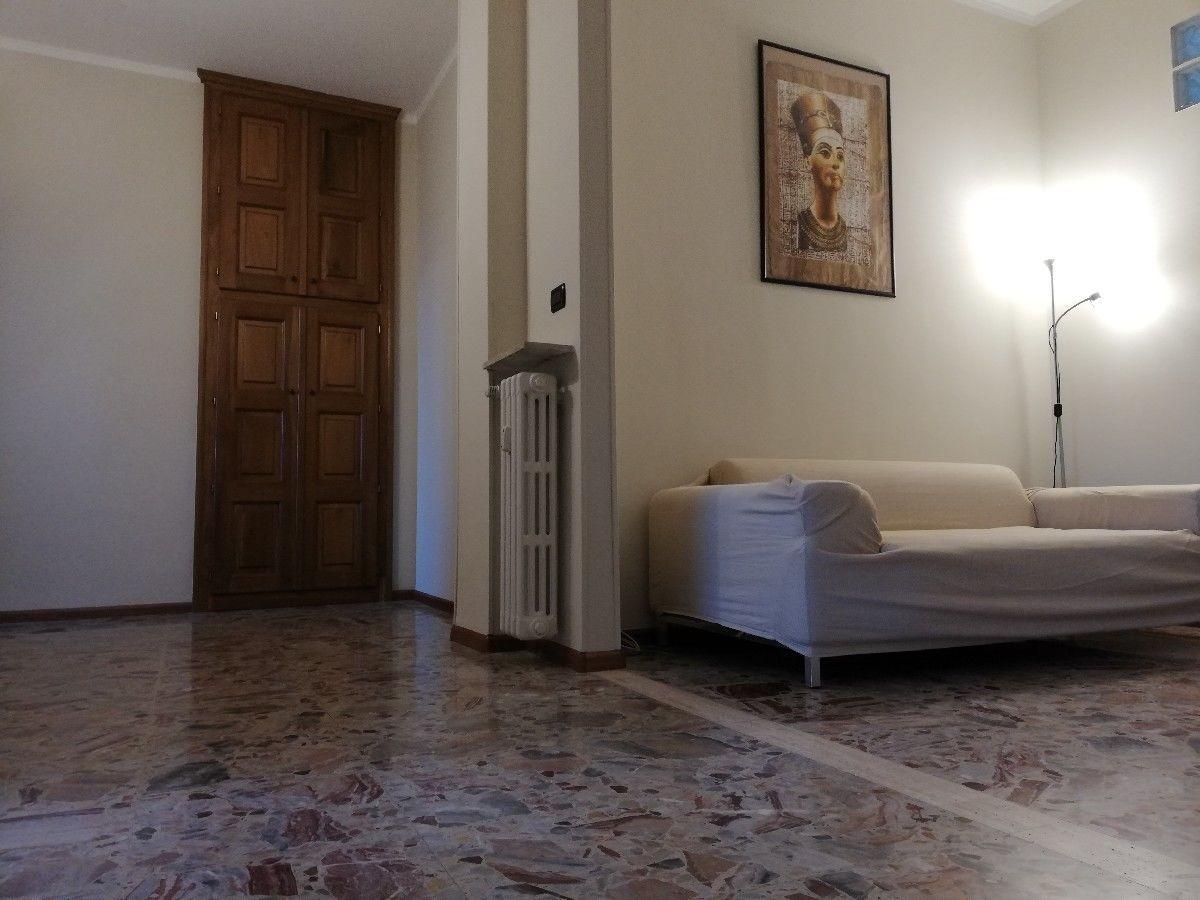 Appartamento in vendita a Alessandria, 3 locali, prezzo € 52.000 | CambioCasa.it