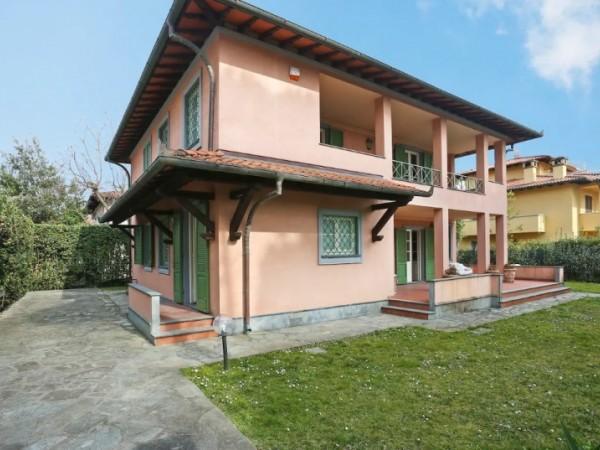 Riferimento 114-10 PL - Villa in Affitto a Vittoria Apuana