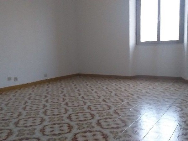 Riferimento A160R_E - Appartamento in Affitto a Semicentro