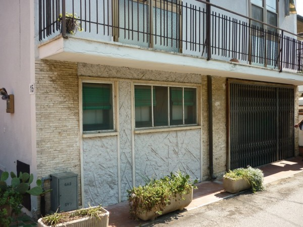 Riferimento 2F2046 - Casa Indipendente in Vendita a Torre Del Lago Puccini
