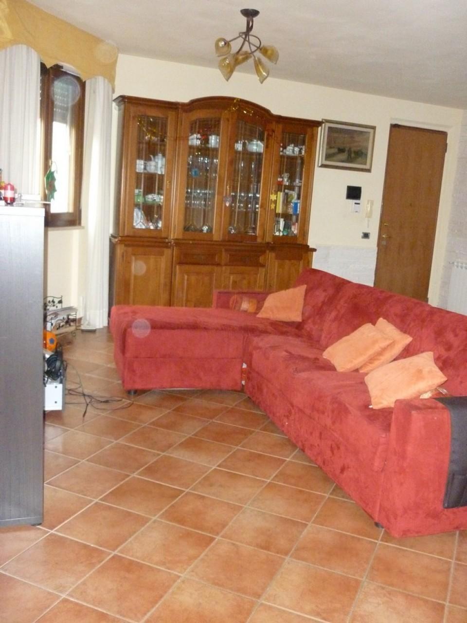 Appartamento in vendita a Viareggio, 5 locali, prezzo € 185.000   PortaleAgenzieImmobiliari.it