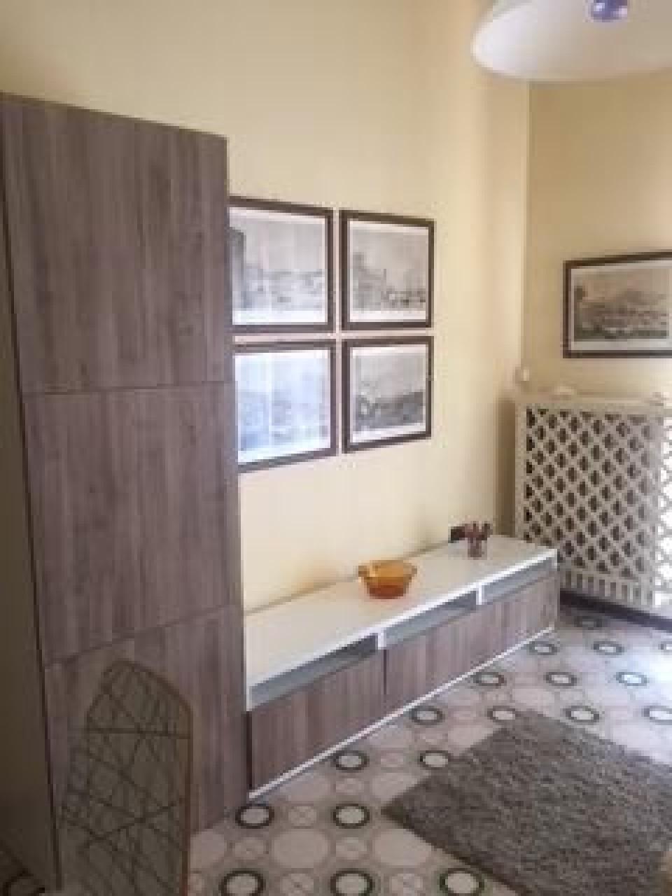 Appartamento in vendita a Montignoso, 3 locali, prezzo € 175.000 | CambioCasa.it