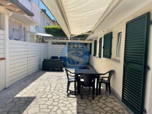 Riferimento SA060 - Appartamento in Affitto a Pietrasanta - Marina di Pietrasanta