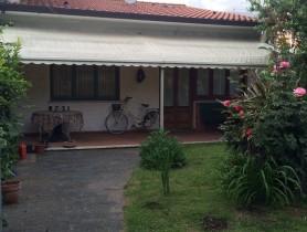 Riferimento BAF1205 - Villa Bifamiliare in affitto a