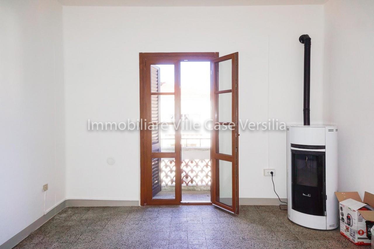 Appartamento in vendita a Seravezza, 4 locali, prezzo € 115.000 | PortaleAgenzieImmobiliari.it