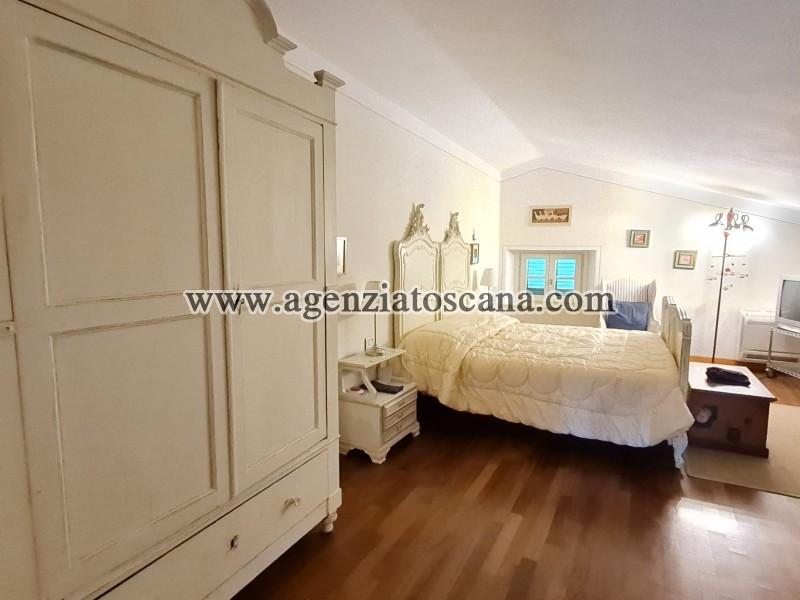 Villa in vendita, Forte Dei Marmi - Zona Via G. Battista Vico -  36