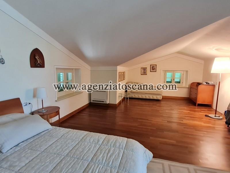 Villa in vendita, Forte Dei Marmi - Zona Via G. Battista Vico -  43