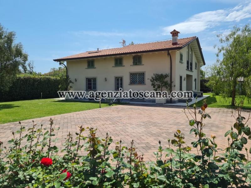 Villa in vendita, Forte Dei Marmi - Zona Via G. Battista Vico -  1