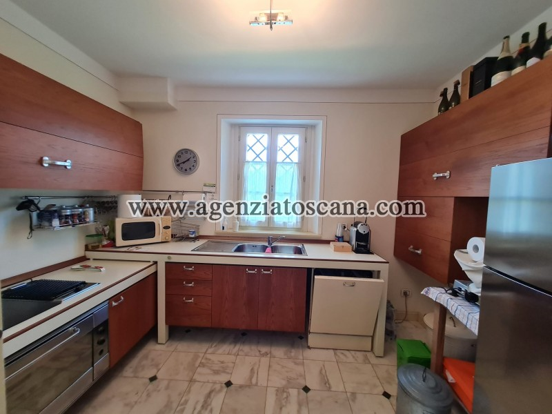 Villa in vendita, Forte Dei Marmi - Zona Via G. Battista Vico -  27