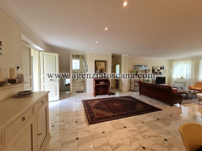 Villa in vendita, Forte Dei Marmi - Zona Via G. Battista Vico -  28