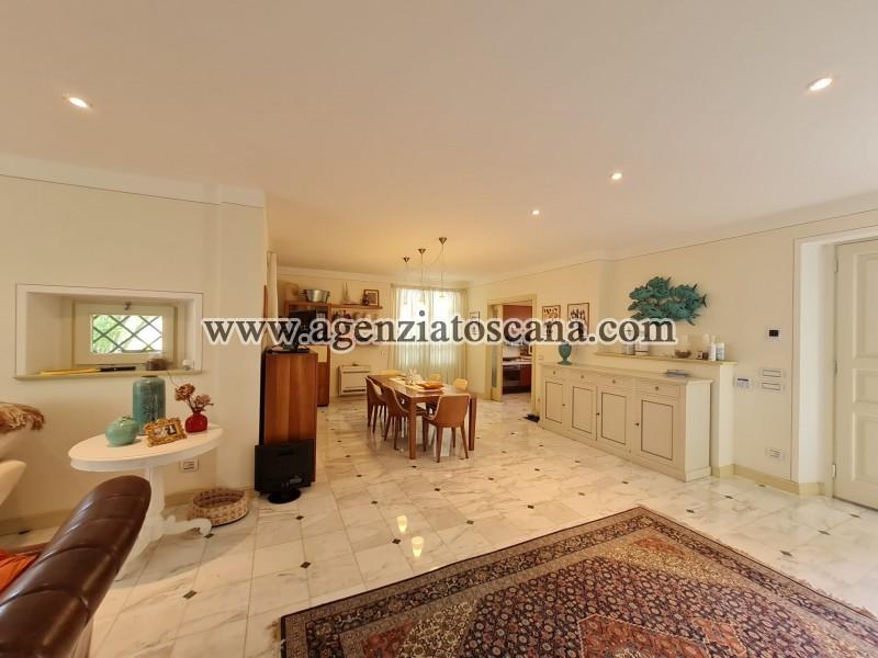 Villa in vendita, Forte Dei Marmi - Zona Via G. Battista Vico -  24