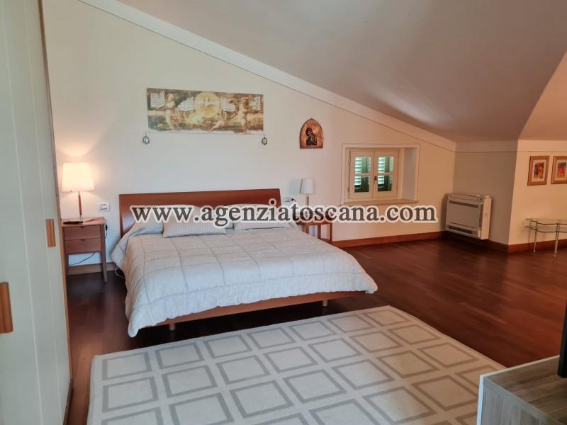 Villa in vendita, Forte Dei Marmi - Zona Via G. Battista Vico -  42