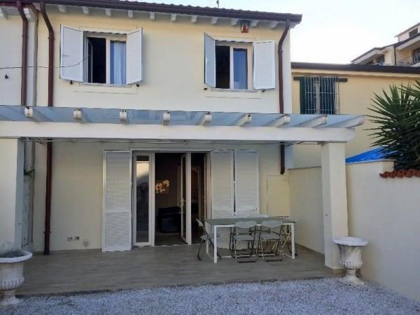 Riferimento 130-4 PL - Appartamento Indipendente in Affitto a Forte Dei Marmi