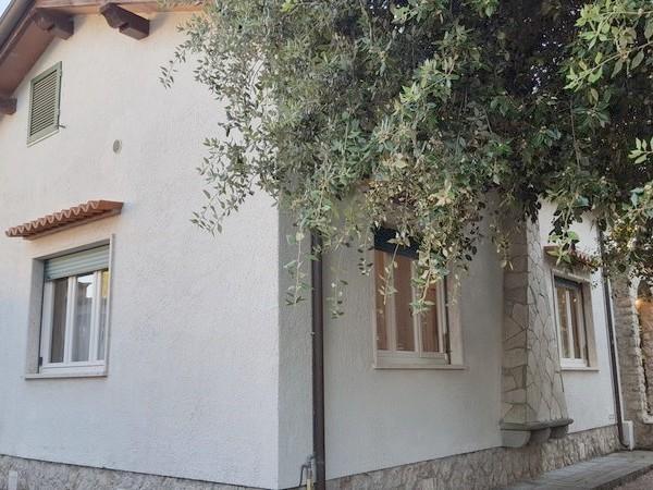 Riferimento 68-7 PL - Villa - Villetta Indipendente in Affitto a Marina Di Pietrasanta
