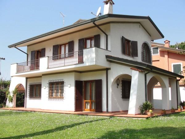 Villa bifamiliare in bella pos