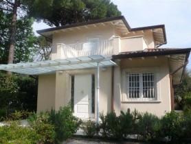 Riferimento VV117 - Villa in vendita a Vittoria Apuana