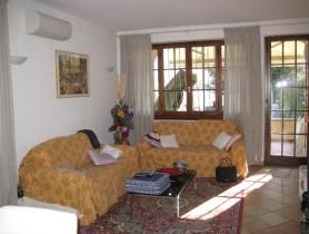 Riferimento BAf214 - Villa Bifamiliare in affitto a