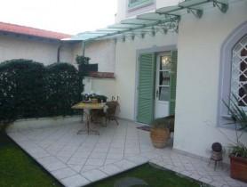 Riferimento BAf223 - Villa Bifamiliare in affitto a