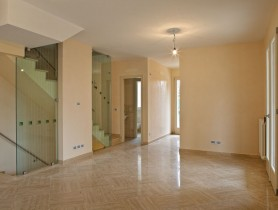 Riferimento BV393 - Villa Bifamiliare in vendita a Viareggio