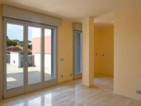 Riferimento AV405 - Appartamento in vendita a Viareggio