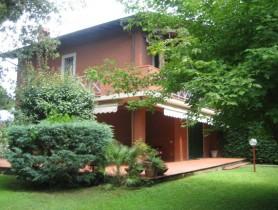 Riferimento BV160 - Villa Bifamiliare in vendita a