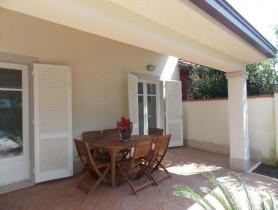 Riferimento BAF667 - Villa Bifamiliare in affitto a