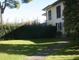 Riferimento BAf251 - Villa Bifamiliare in affitto a
