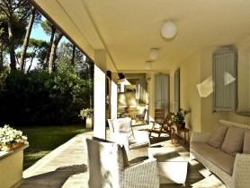 Riferimento BV436 - Villa Bifamiliare in vendita a